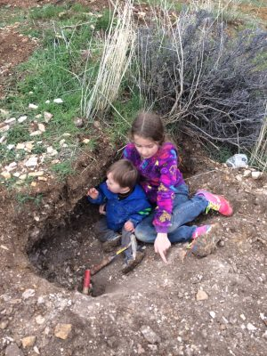 Fossil collecting with kids at Fossil, Oregon
