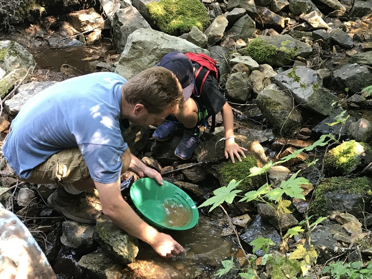 Gold Panning near Oregon's lost gold mines
