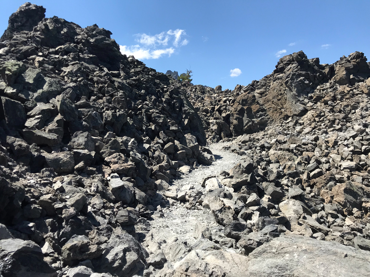 Big Obsidian Flow trail.