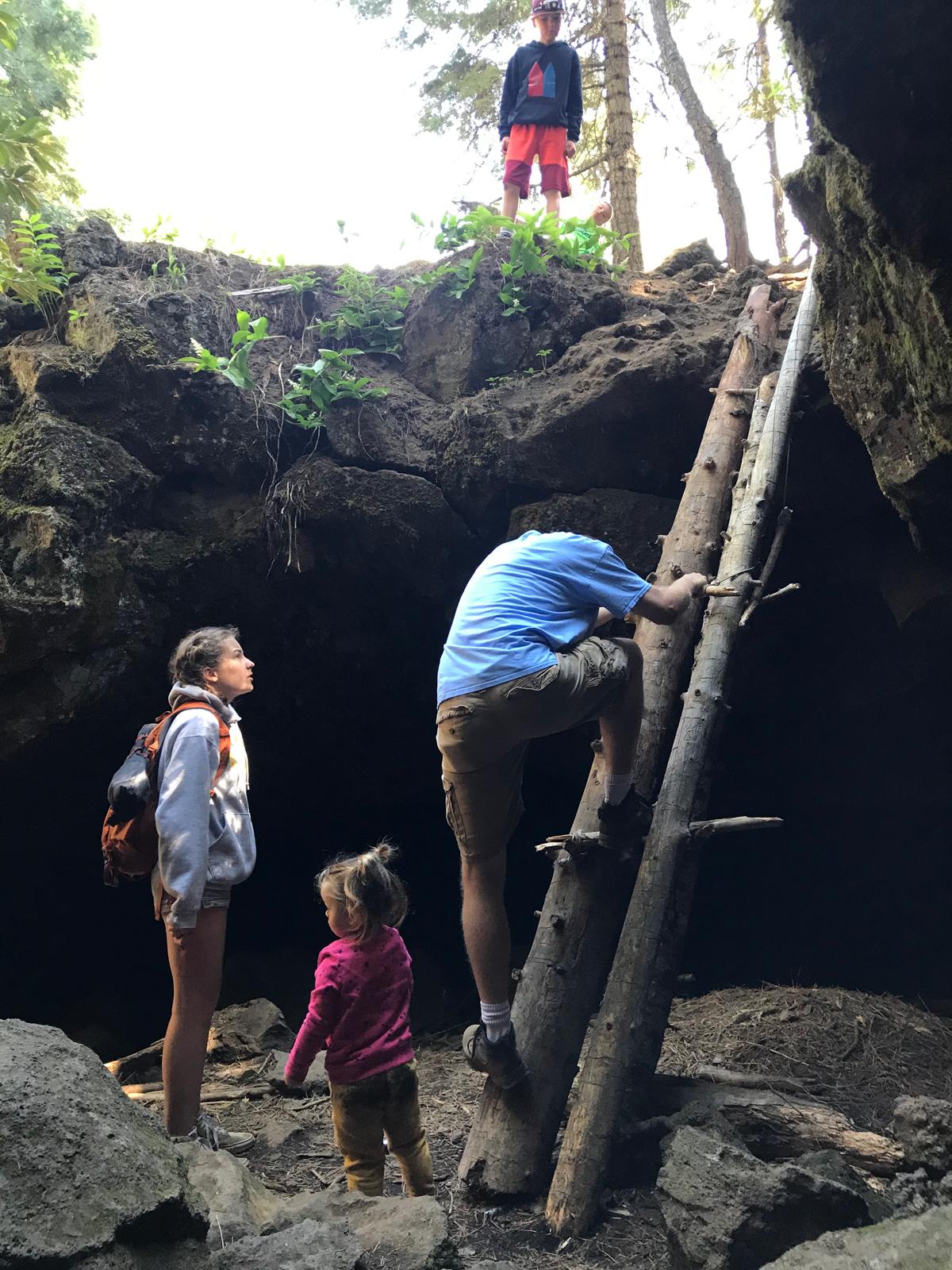 Skylight Cave's entrance